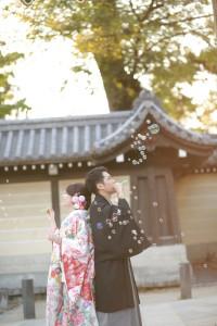 bubble pre-wedding photo with traditional Kimono