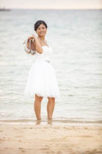 Okinawa beach prewedding photos shooting at bride
