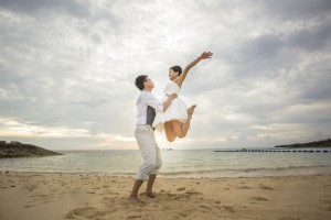 Okinawa beach prewedding photos shooting at sunset