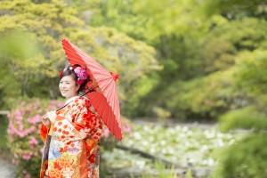 Hanamusubi smiling bride