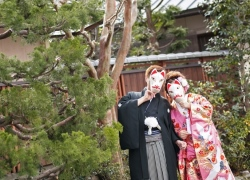 couple wear Japanese mask