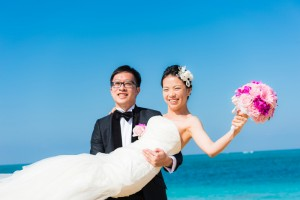 couple at resort in Okinawa