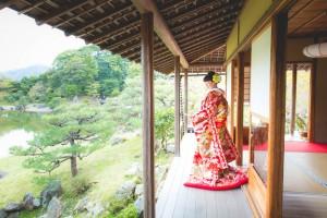 wearing kimono in Japanese garden