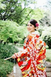 Bride wears Uchikake